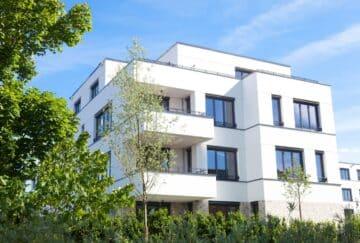 Modernes Familienidyll mit viel Grünfläche, 10627 Berlin, Zweifamilienhaus